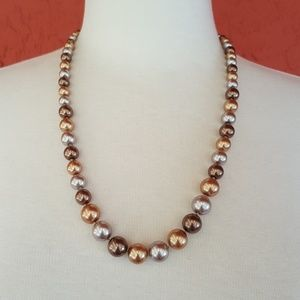 Jewelry - Earth tone pearls